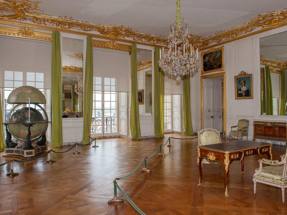 Les appartements du Dauphin et de la Dauphine   Château de Versailles