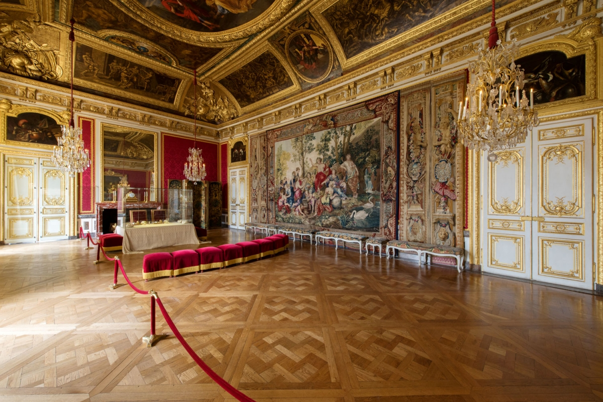 Palace interior background
