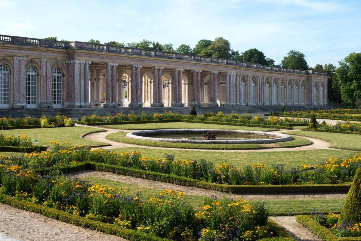Trianon ch teaux la campagne ch teau de versailles for Jardin 0 la francaise