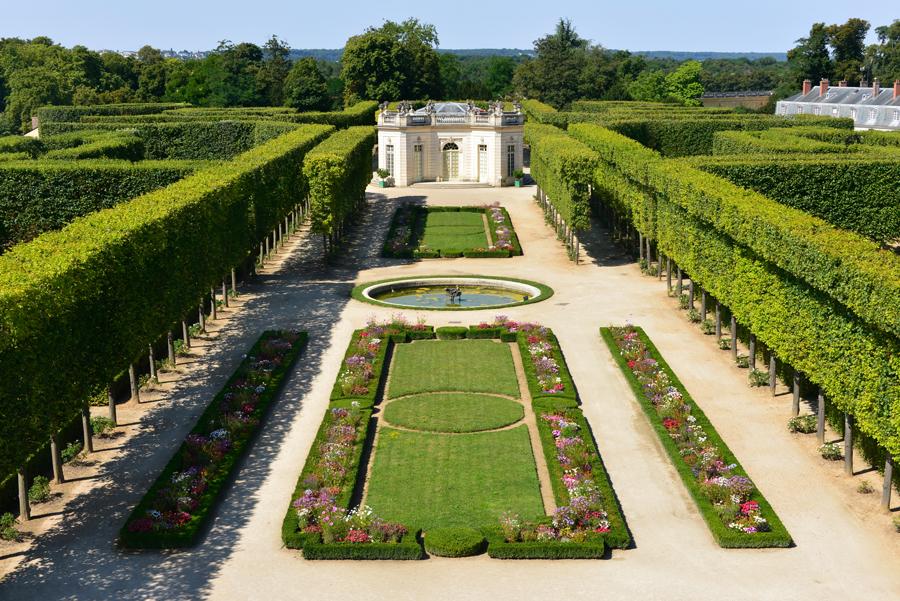 Jardin fran ais du petit trianon ch teau de versailles for Jardin a la francaise chambord
