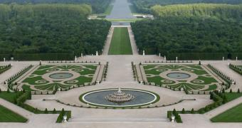 vue aerienne des jardins de versailles